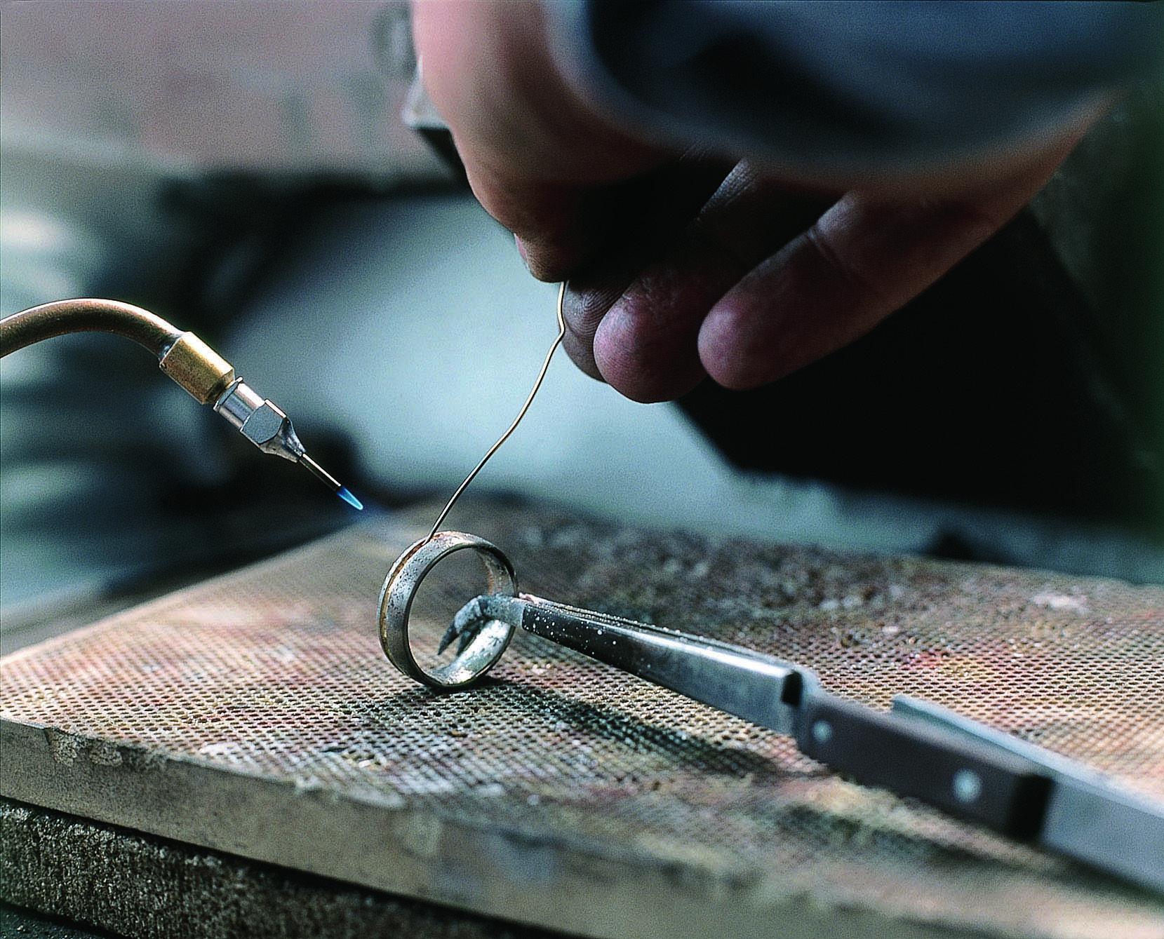 鍛造 結婚指輪 マイスター