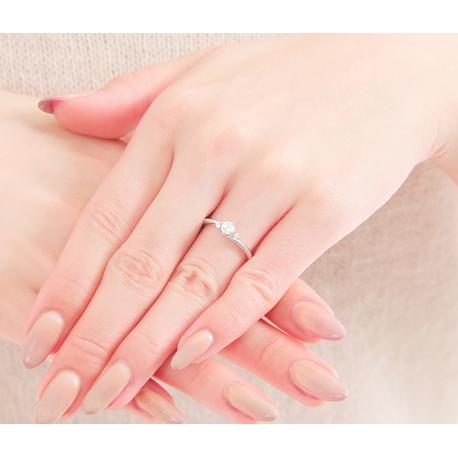 婚約指輪を結婚式や披露宴で